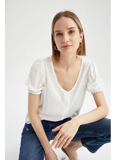 DeFacto Regular Fit V Yaka Kısa Kol Bluz Beyaz